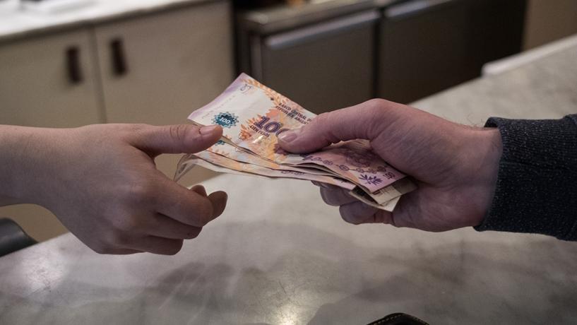 Argentina impõe controlos monetários