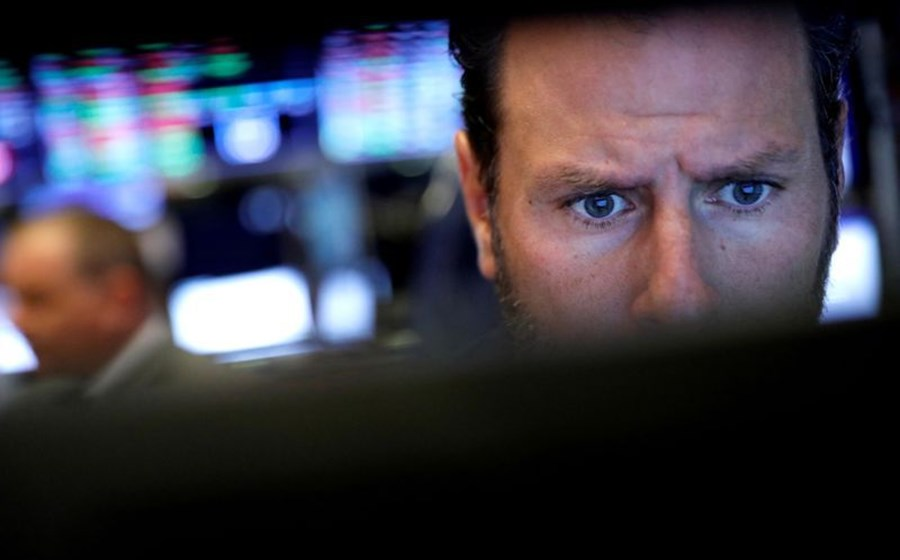 Escalada dos juros da dívida assusta Wall Street. Selloff abala Nasdaq
